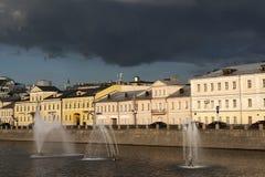莫斯科视图 St索非亚堤防 库存图片