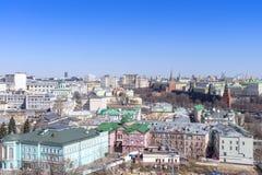 莫斯科都市风景、老历史镇和都市skyscrap看法  库存图片