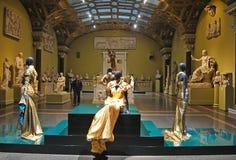 """莫斯科,俄罗斯†""""2013年10月24日 时尚和艺术在普希金艺术博物馆在莫斯科2013年10月24日 免版税图库摄影"""