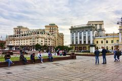 莫斯科,俄罗斯联邦- 2017年8月27日:许多游人rel 库存图片