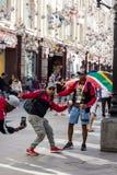 莫斯科,俄罗斯,世界杯2018年,从不同的国家的足球迷在莫斯科Nikolskaya街道上  库存照片