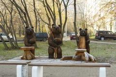 莫斯科,俄罗斯,有雕塑的一个公园由木头制成 库存照片