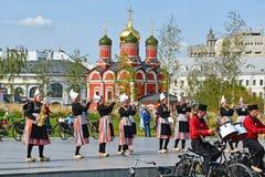 莫斯科,俄罗斯, 2018年9月, 01日 法国军乐队在公园` Zaryadye `执行在莫斯科 库存图片