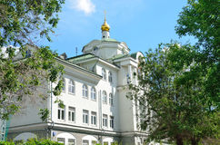莫斯科,俄罗斯, 2017年6月, 12日 莫斯科, Tessinsky车道,房子3 非状态教育机构,中学- Traditi 免版税图库摄影