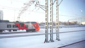 莫斯科,俄罗斯,2019年2月21日:从移动的城市电车的看法 莫斯科圆环电车轨道网络 股票录像