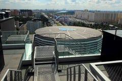 莫斯科,俄罗斯, 2014年8月23日,办公楼的屋顶的类型 库存图片