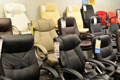 莫斯科,俄罗斯- 24 09 2015年 内部商店Hoff -一最大的俄国家具网络 计算机椅子 库存图片