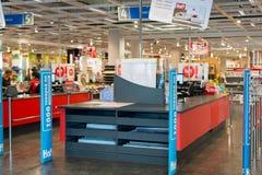 莫斯科,俄罗斯- 24 09 2015年 商店Hoff -一的内部最大的俄国家具网络 入口和收银处 免版税图库摄影