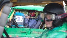莫斯科,俄罗斯- 2018年9月:在越野种族的耐震车 ?? 在种族的开始汽车 影视素材