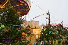 莫斯科,俄罗斯- 2017年12月:转盘在莫斯科的中心,建立在节日`旅途框架里对Ch 图库摄影