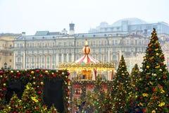 莫斯科,俄罗斯- 2017年12月:转盘在莫斯科的中心,建立在节日`旅途框架里对Ch 免版税库存图片