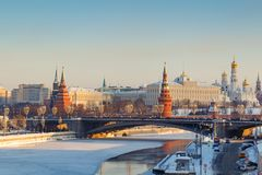 莫斯科,俄罗斯- 2018年2月01日:克里姆林宫在一个晴朗的冬天早晨 莫斯科冬天 图库摄影