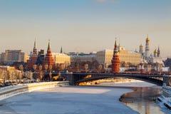 莫斯科,俄罗斯- 2018年2月01日:克里姆林宫在一个晴朗的冬天早晨 莫斯科冬天 免版税库存图片