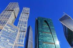 莫斯科,俄罗斯- 2018年4月14日:国际商业中心莫斯科市摩天大楼蓝天背景的 库存照片