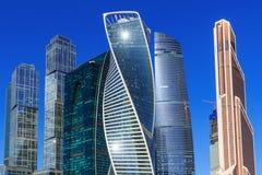 莫斯科,俄罗斯- 2018年4月14日:国际商业中心莫斯科市摩天大楼蓝天背景的 库存图片