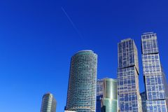 莫斯科,俄罗斯- 2018年4月14日:国际商业中心莫斯科市摩天大楼蓝天背景的 图库摄影