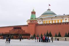 莫斯科,俄罗斯- 2016年10月06日:在红场的列宁` s陵墓列宁` s坟茔 库存图片
