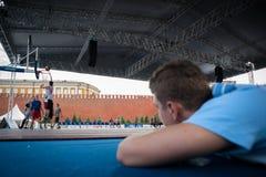 莫斯科,俄罗斯- 2013年5月30日:在红场的篮球比赛 图库摄影