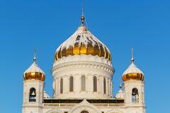 莫斯科,俄罗斯- 2018年2月01日:基督大教堂Golden Dome救主特写镜头在晴朗的冬天早晨 wint的莫斯科 免版税库存图片