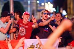 莫斯科,俄罗斯- 2018年7月01日:橄榄球世界杯2018年,庆祝以西班牙的俄国足球迷胜利在莫斯科 免版税库存图片