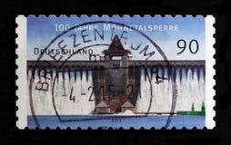 莫斯科,俄罗斯- 2017年10月21日:用德语打印的邮票联邦机关 免版税库存图片