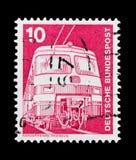 莫斯科,俄罗斯- 2017年10月21日:用德语打印的邮票联邦机关 库存图片