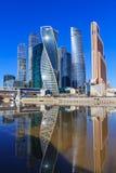 莫斯科,俄罗斯- 2018年4月14日:莫斯科国际商业中心莫斯科城市在一个晴朗的春日 免版税库存图片