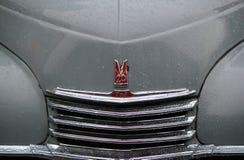 莫斯科,俄罗斯- 2016年4月16日:葡萄酒苏联汽车, Mosgortrans Pobeda GAZ-20M陈列  免版税库存图片