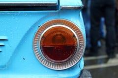 莫斯科,俄罗斯- 2016年4月16日:葡萄酒苏联汽车, Mosgortrans Zaporozhets ZAZ-966陈列  免版税库存照片