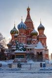 莫斯科,俄罗斯- 2018年2月01日:St蓬蒿红场的` s大教堂 莫斯科冬天 免版税库存图片