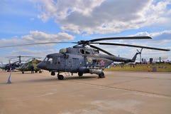 莫斯科,俄罗斯- 2015年8月:运输直升机Mi8臀部礼物 库存照片