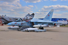 莫斯科,俄罗斯- 2015年8月:攻击机雅克-130手套presen 库存照片