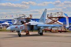 莫斯科,俄罗斯- 2015年8月:攻击机雅克-130手套presen 图库摄影