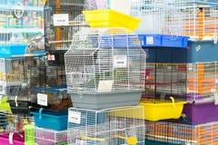莫斯科,俄罗斯- 4月16 2016年 内部四爪子宠物商店 库存照片