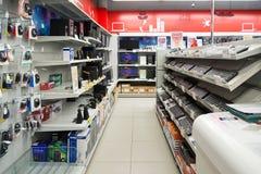 莫斯科,俄罗斯- 2月02 2016年 内部黄金国,卖电子的大连锁店 库存照片