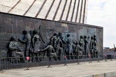 莫斯科,俄罗斯- 4月30 2018年 空间的征服者是纪念碑在Cosmopark 免版税图库摄影