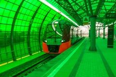 莫斯科,俄罗斯- 2016年9月13日:中央圈子线在驻地Delovoj centr的MCC Lastochka火车 免版税图库摄影