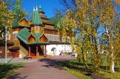 莫斯科,俄罗斯- 2015年10月21日:沙皇阿列克谢米哈伊尔宫殿  免版税库存照片