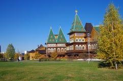 莫斯科,俄罗斯- 2015年10月21日:沙皇阿列克谢米哈伊尔宫殿  库存照片