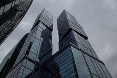 莫斯科,俄罗斯- 2016年9月13日:现代玻璃摩天大楼在商业中心 免版税库存图片