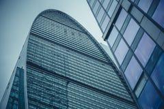 莫斯科,俄罗斯- 2016年9月13日:现代玻璃摩天大楼在商业中心 库存照片