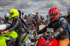莫斯科,俄罗斯- 2016年4月23日 摩托车骑士打开春天s 免版税图库摄影
