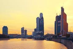 莫斯科,俄罗斯- 10月20 :莫斯科市的现代摩天大楼, 免版税库存图片