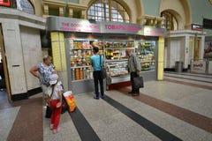 莫斯科,俄罗斯- 17 06 2015年 Kazansky火车站内部  在1862年修造 库存照片
