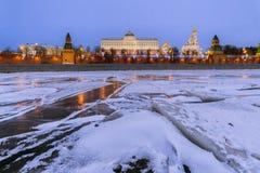 莫斯科 克里姆林宫 盛大克里姆林宫宫殿在冬天 库存照片