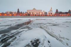 莫斯科 克里姆林宫 盛大克里姆林宫宫殿在冬天 免版税库存图片