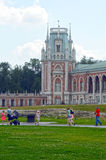 莫斯科 公园Tsaritsyno 全部宫殿 建筑师卡扎科夫 八个有角塔 冒充的Gothik夏日 库存图片