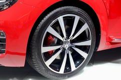 莫斯科- 29 08 2014 - 在陈列的汽车陈列莫斯科国际汽车沙龙红色汽车在所有它的荣耀 免版税库存照片
