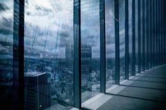 莫斯科-城市商业中心大厦 企业和财务概念的两次曝光背景 免版税库存图片