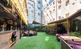 莫斯科- 2014年8月:内部是豪华和美好的用餐的餐馆 免版税库存照片